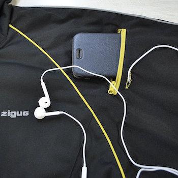 サウナスーツ 音楽プレーヤー用のポケットと穴